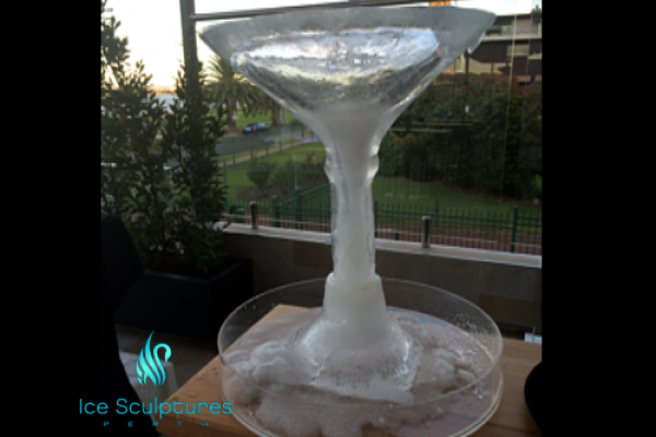 large-martini-glass-1664D5C6E-B08F-C1A9-7392-481E49B544E7.png